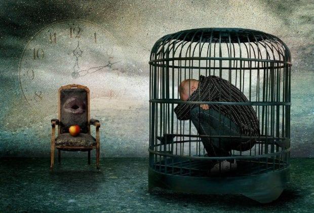 человек в клетке