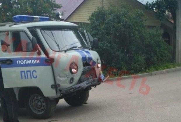 полицейский уаз в аварии