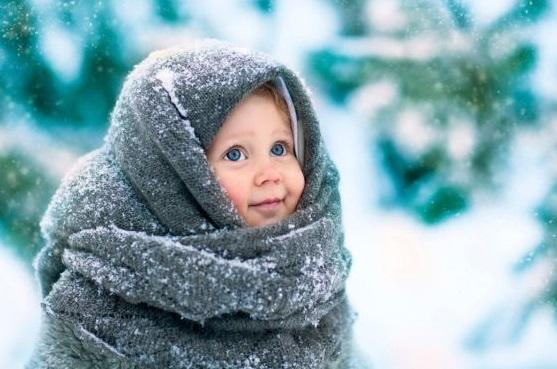 Девочка в зимнем платке
