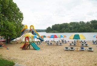 Пляж в Лаврово-Песочня
