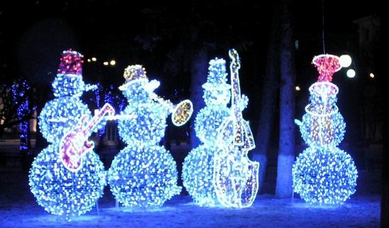 Снеговики светятся