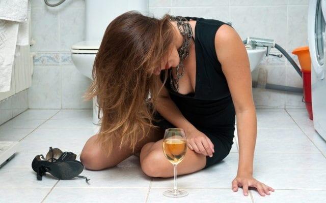 Почему напиваются