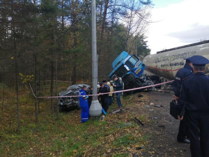 Под Калугой в страшной аварии погибли четыре человека