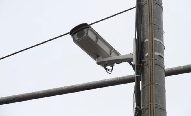 камера за грузовиками
