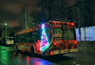 украшенный троллейбус2