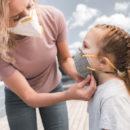 В медицинских масках