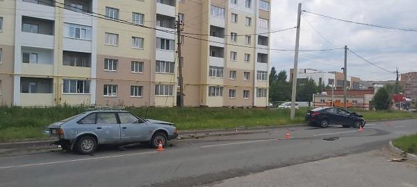 В Калуге при столкновении с иномаркой погиб водитель «Москвича»