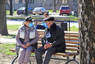 В маске и очках
