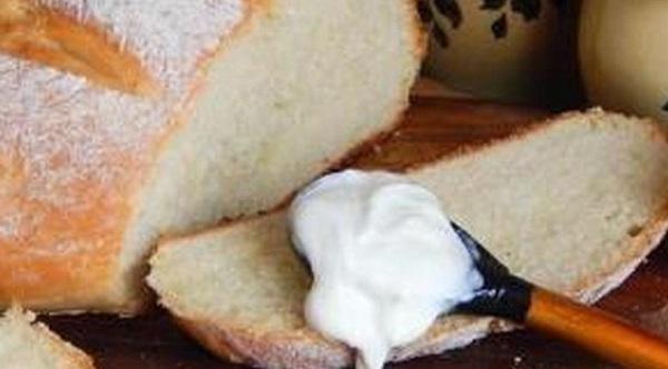Хлеб и сметана