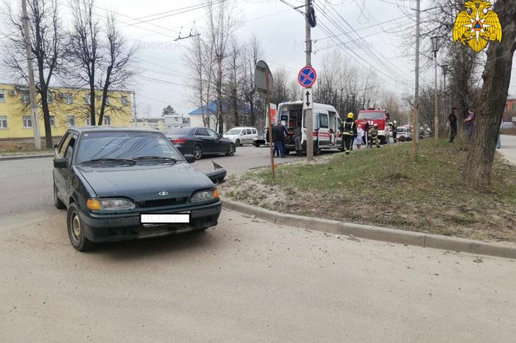 В Калуге в ДТП на улице Московской пострадал мотоциклист