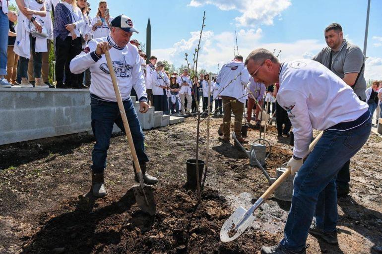 В Калуге посадили 150 деревьев в рамках акции «Черешневый лес»