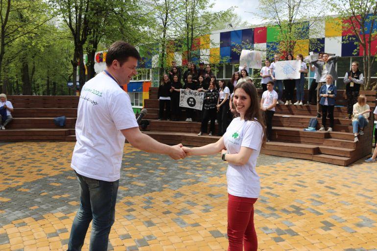 Второй день молодежного форума в Калуге начался с брифинга