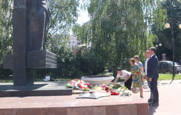 Юрий Моиссев и Александр Ефремов поздравили медиков с профессиональным  праздником