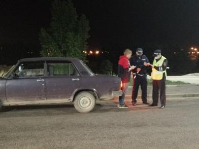 В ночном рейде на набережной в Калуге задержали нарушителей общественного порядка