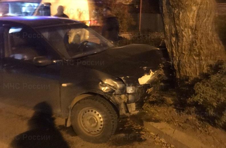 В Калуге на улице Зёленая жестко столкнулись две иномарки