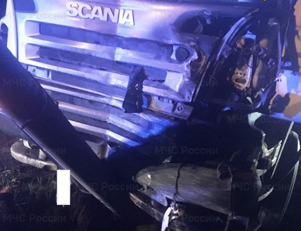 В Калужской области госпитализировали водителя «Пежо», столкнувшегося с фурой