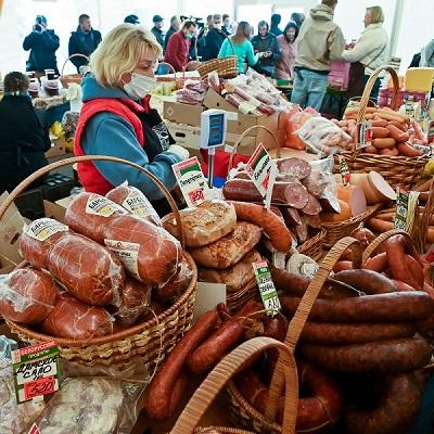На калужской ярмарке производители реализовали 51 тонну картофеля и 300 кг мёда