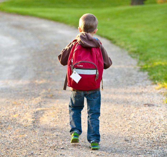 Дети под контролем: как родителям обеспечить безопасность школьников в учебном году