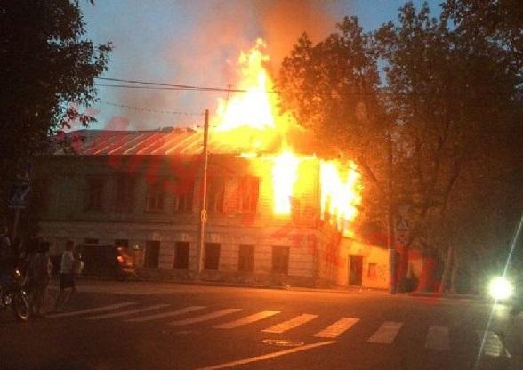 пожар у школы