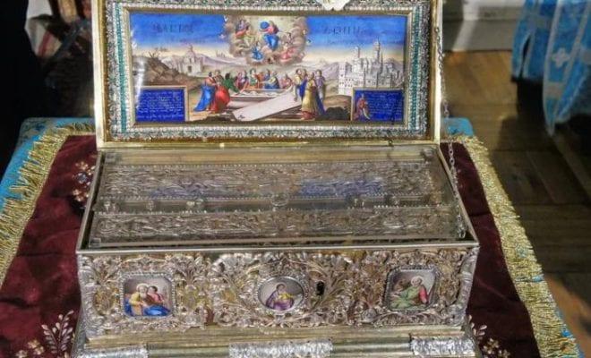 Навстрече Пояса Пресвятой Богородицы вБрянске выстроилась внушительная очередь