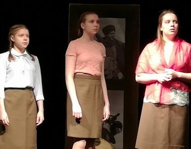 девочки в театре