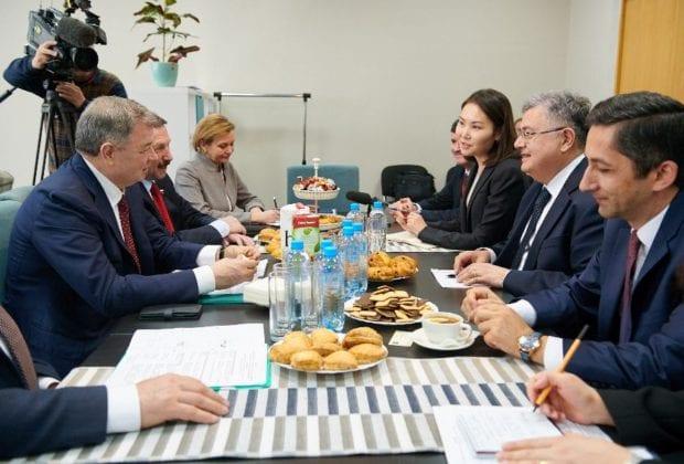 губернатор с иностранцами