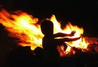 Ребенок в огне