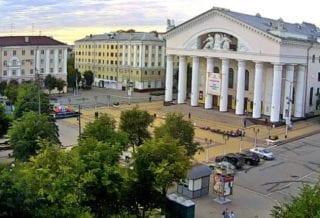 Театральная площадь Калуги