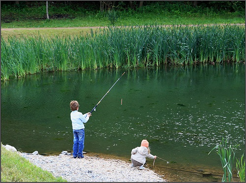 юные рыбаки