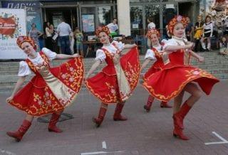 Танцы на День молодежи