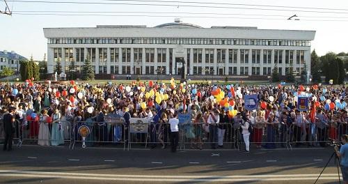 На площади Старый Торг выпускникам покажут огненное шоу