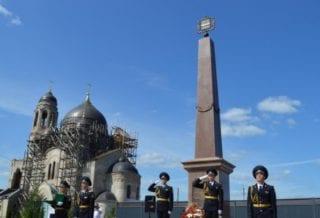 В Боровске открыли стелу «Город воинской доблести»