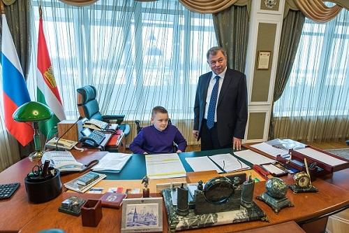 Мальчик у губернатора