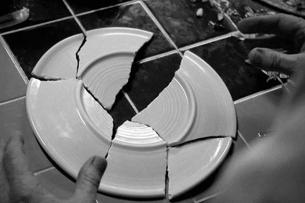 Тарелка разбитая