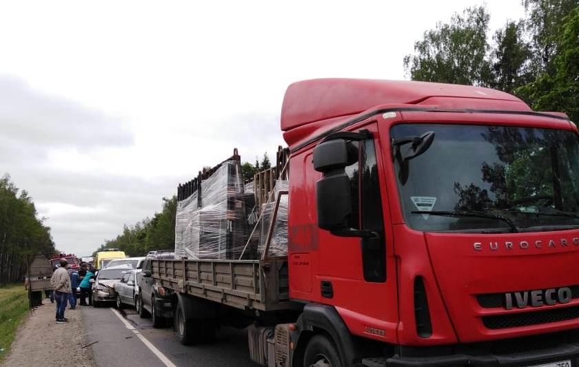 В Боровском районе столкнулись четыре автомобиля