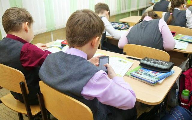 Мобильные в школе